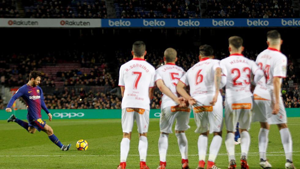 Hình ảnh: Messi ghi 3 bàn bằng đá phạt tại La Liga mùa này
