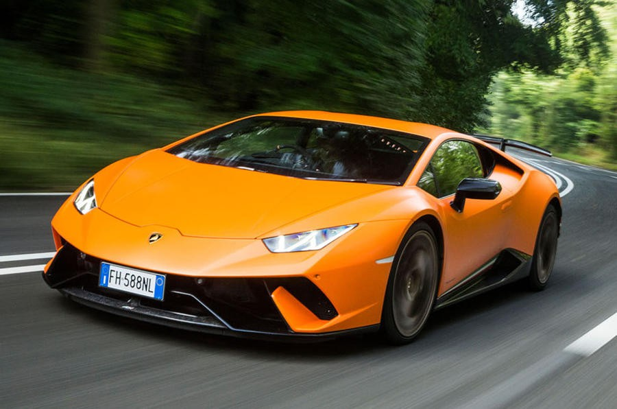 Hình ảnh: Chỉ cần gần 1 tuần lương là Coutinho đủ mua một siêu xe Lamborghini như thế này