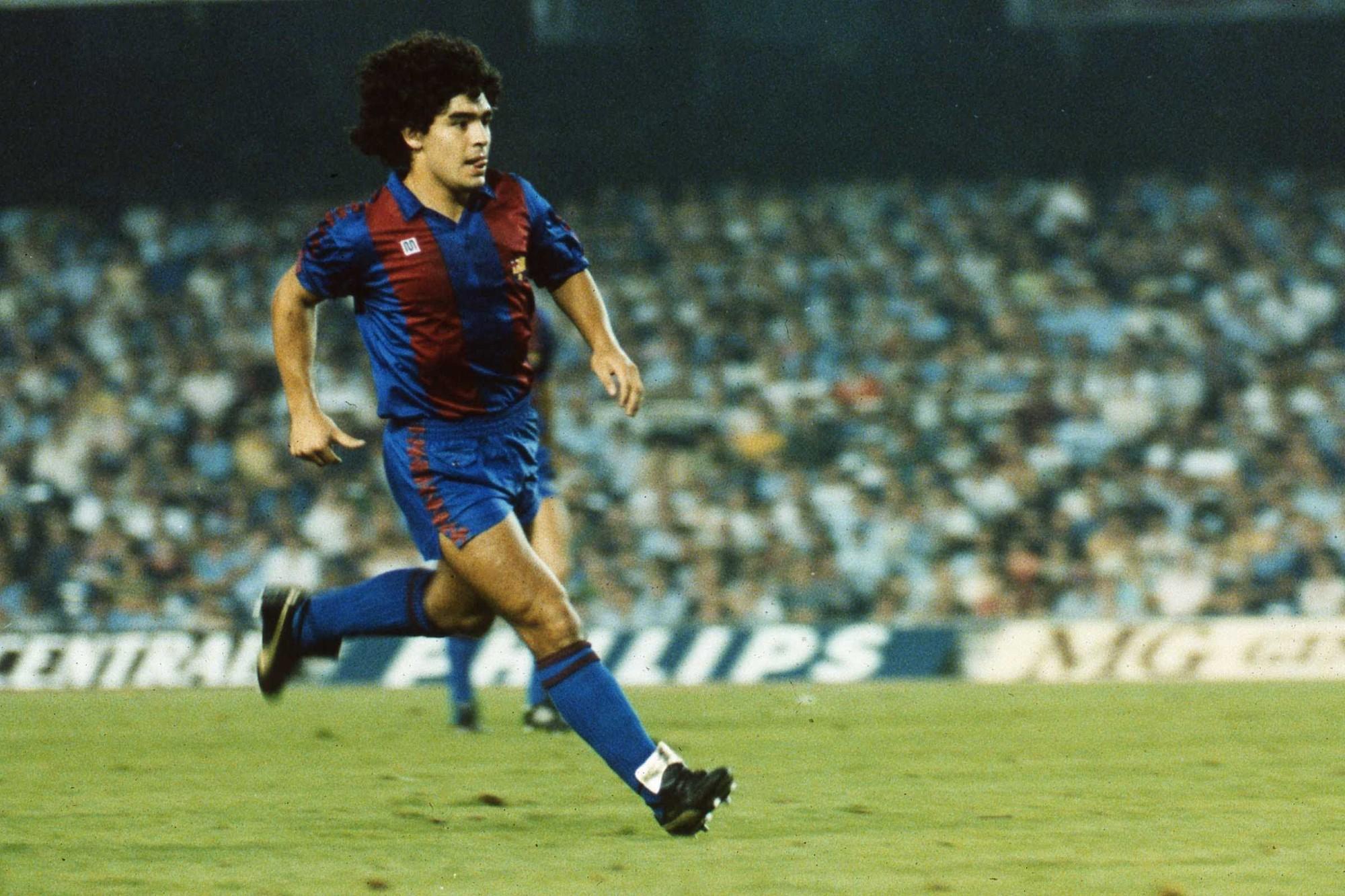 Maradona lập tức tỏa sáng khi mới đến Barcelona