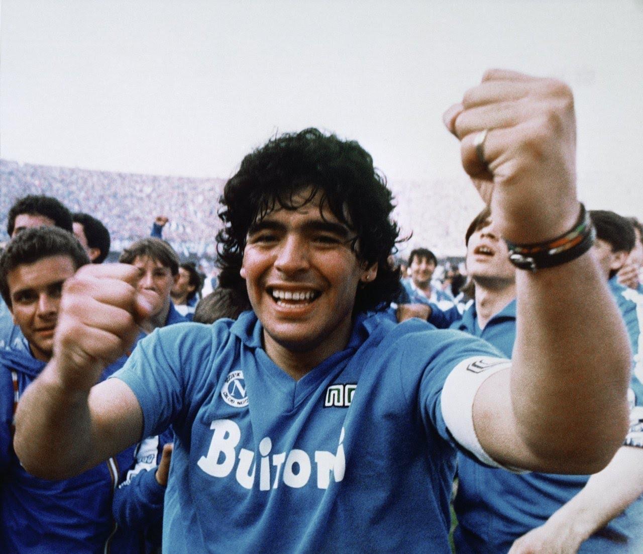 Năm 1986, sau thành công vang dội cùng Napoli và ĐT Argentina, Maradona đã có thể giành Quả bóng vàng