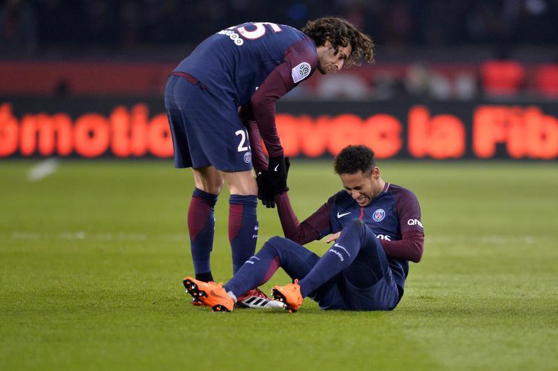 Hình ảnh: Neymar khiến PSG lo lắng vì chấn thương