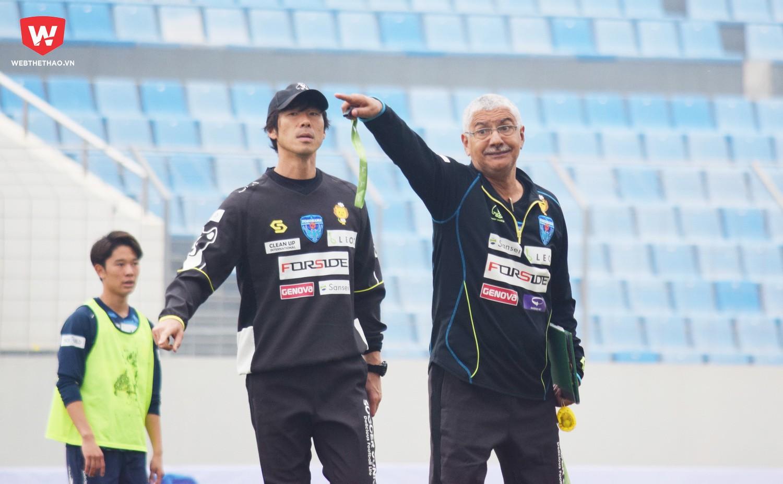 HLV Edson Tavares ''tiếc'' cho sự phát triển muộn của bóng đá Việt Nam. Ảnh: Việt Nguyễn