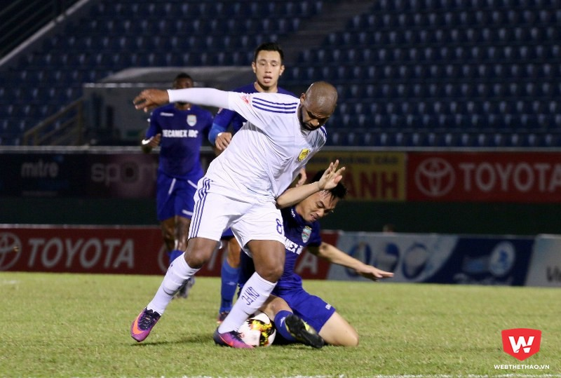 Quảng Nam đã mở đường cho sự thiếu chuyên nghiệp của Claudecir.