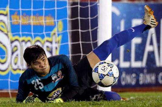 Minh Hoàng trong màu áo U21 HAGL ở U21 quốc tế 2015.