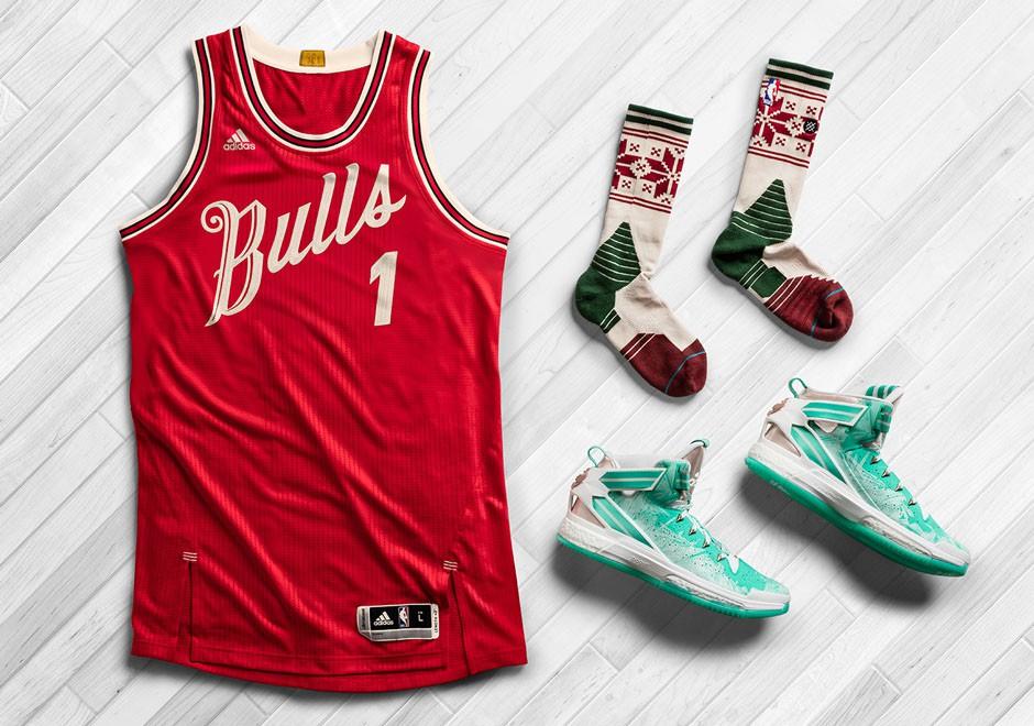 Trọn bộ áo, vớ và giày cho dịp Giáng Sinh 2015.