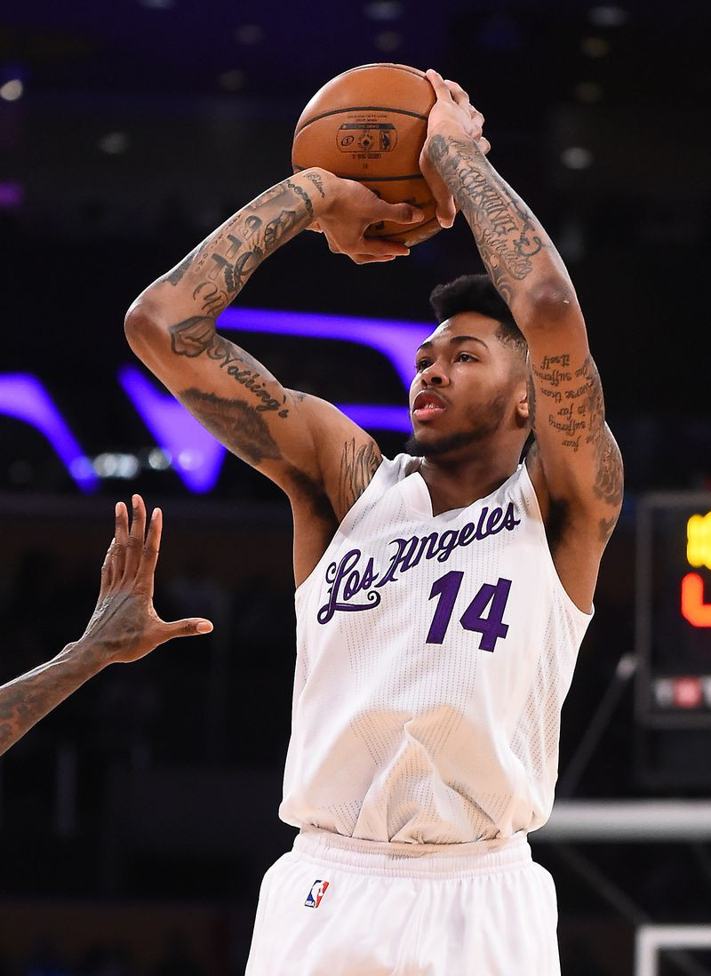Đồng phục Giáng Sinh của Los Angeles Lakers.