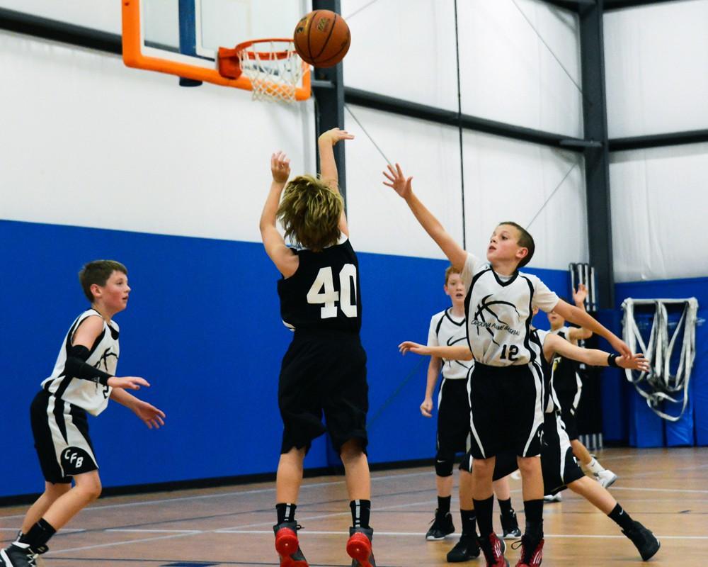 Các cầu thủ từ 7 tuổi đã có thể tham gia hệ thống giải phong trào AAU tại Mỹ.