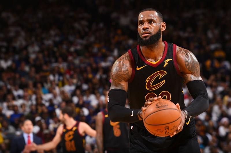 LeBron James đang trên đường rời khỏi Cavaliers?