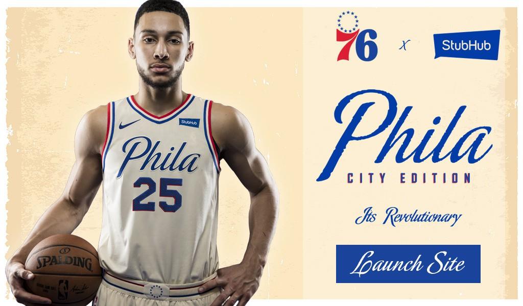 Từ mẫu chữ, màu áo cho đến viền xung quanh đều tri ân đến bản tuyên ngôn độc lập được ký tại Philadelphia. Một nghĩa cử cao đẹp!