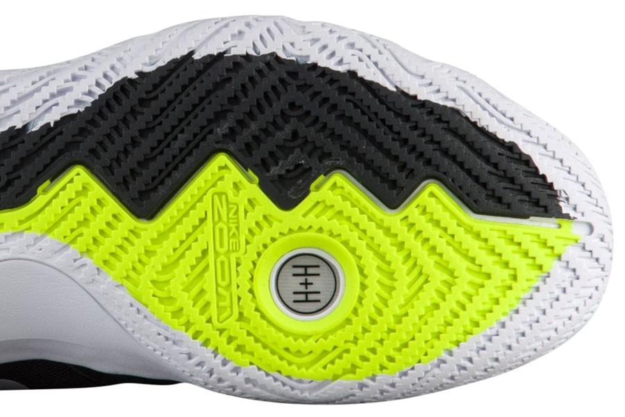 Đệm Zoom Air sẽ nằm ở mũi giày.