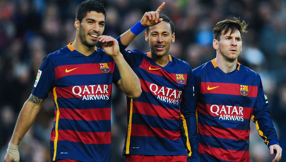 Neymar nhận lương chỉ sau Messi để ở lại Barca