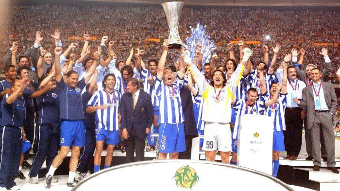 Hình ảnh: Mourinho cùng Porto đã được ăn mừng chức vô địch UEFA Cup ở chính thành phố Seville