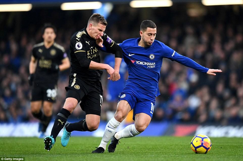 HÌnh ảnh: Hazard có một ngày thi đấu mờ nhạt và bị thay ra sớm
