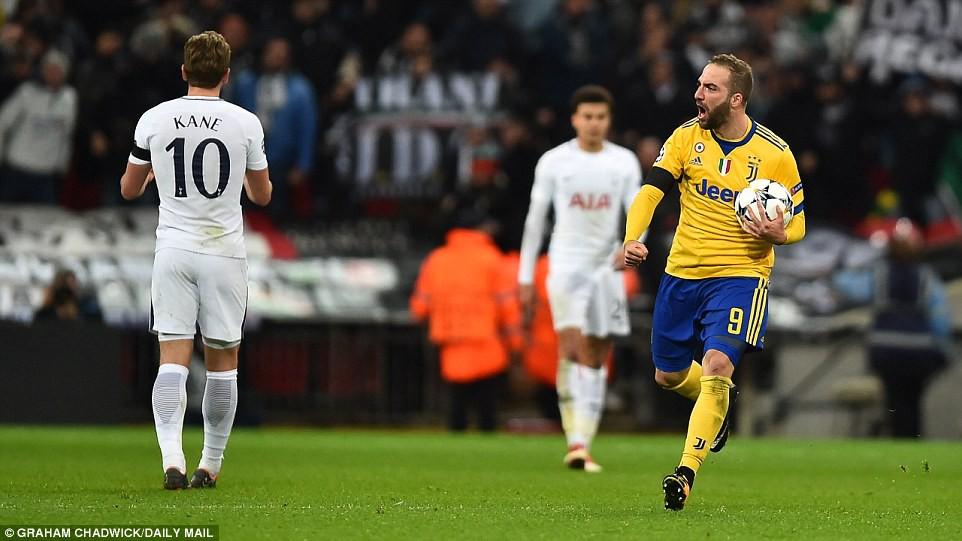 Hình ảnh: Higuain bắt đầu cuộc lội ngược dòng của Juventus
