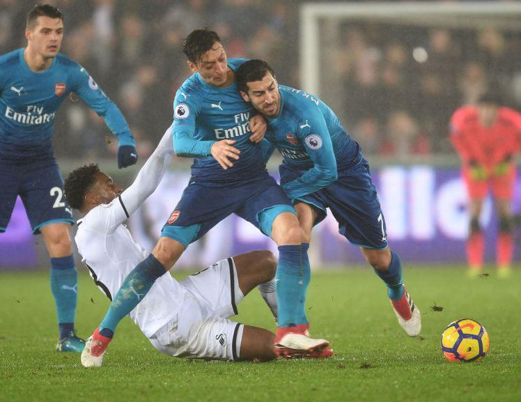 Hình ảnh: Mkhi còn tác động giúp Ozil chơi hay hơn