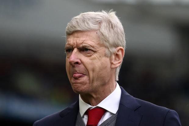 Hình ảnh: Wenger phải vô địch Europa League để có thể giữ ghế