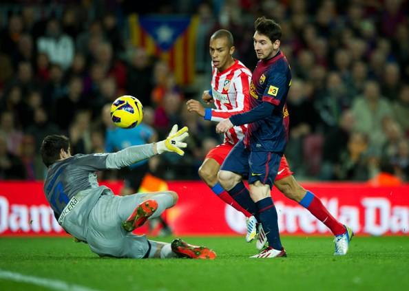 Hình ảnh: Đã 5 năm nay Messi không thể chọc thủng lưới Courtois
