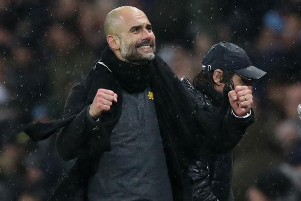 Hình ảnh: FA cảnh báo Pep về việc đeo chiếc ruy băng màu vàng