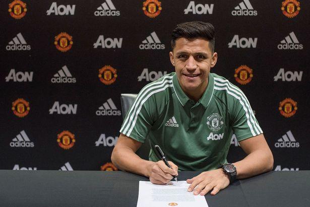 Hình ảnh: Khoản lương thưởng của Sanchez chả bõ bèn gì với số tiền MU kiếm được