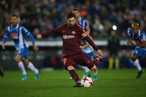 Hình ảnh: Messi bỏ lỡ cơ hội trên chấm penalty