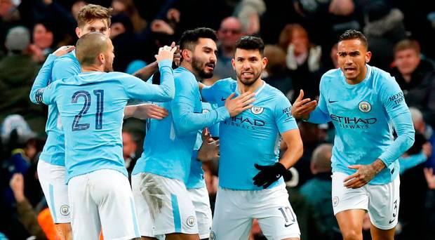 Hình ảnh: Man City có thể tung ra một đội hình nhiều ngôi sao như trong trận đấu với Burnley