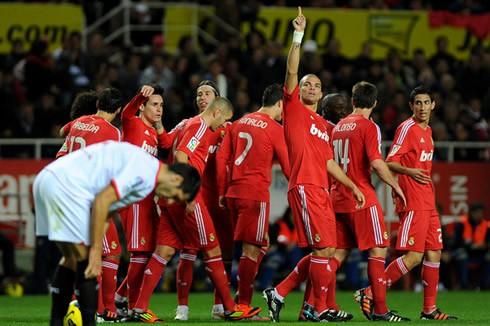 Hình ảnh: Real do Mourinho dẫn dắt thường xuyên giành kết quả tốt trước Sevilla