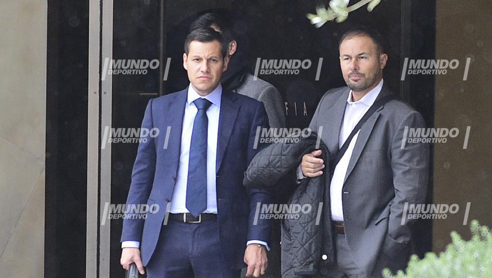Hình ảnh: BLĐ Gremio đã tới Barcelona để đàm phán thương vụ Arthur