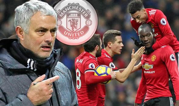 Hình ảnh: Thầy trò Mourinho đang rất quyết tâm giành chiến thắng trước Leicester
