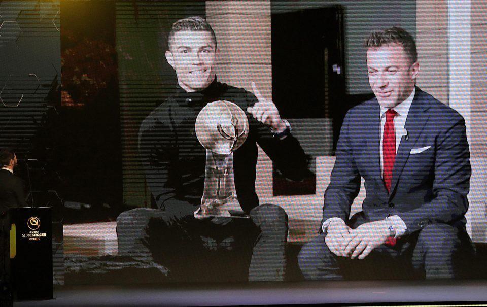 Hình ảnh: Ronaldo bận không đến Gala và nhận giải thưởng qua video
