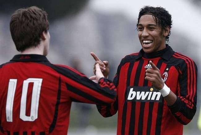 Hình ảnh: Aubameyang được cha cho tập luyện ở đội trẻ AC Milan