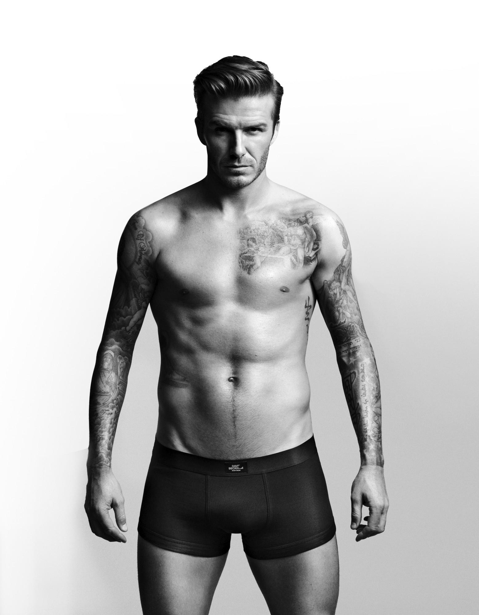 David Beckham từng bị nữ phóng viên bóp vùng nhạy cảm ngay tại buổi phóng vấn.