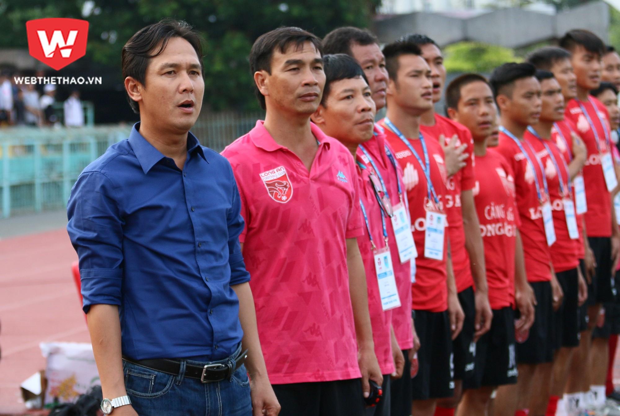 Minh Phương về dẫn dắt Long An sau sự cố sân Thống Nhất. Ảnh: Quang Thịnh