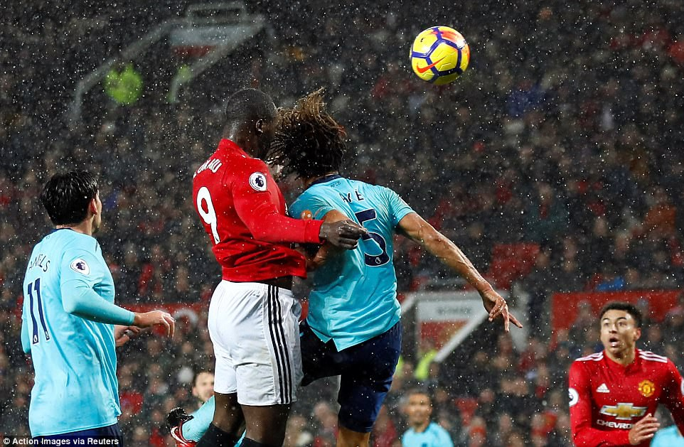 Hình ảnh: Lukaku vẫn là cây săn bàn lợi hại trước các đội bóng ngoài Top 6