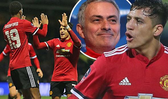 hình ảnh: Mourinho vẫn tin tưởng Sanchez