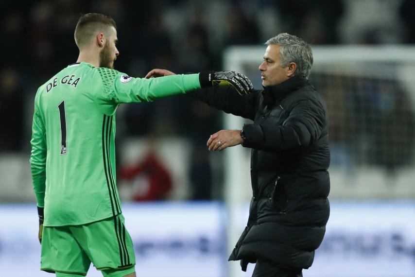 hình ảnh: Mourinho thề giữ chặt De Gea bằng mọi giá
