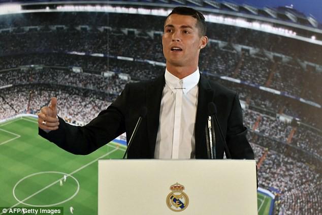 Hình ảnh: Ronaldo sắp sửa được nâng lương khủng?