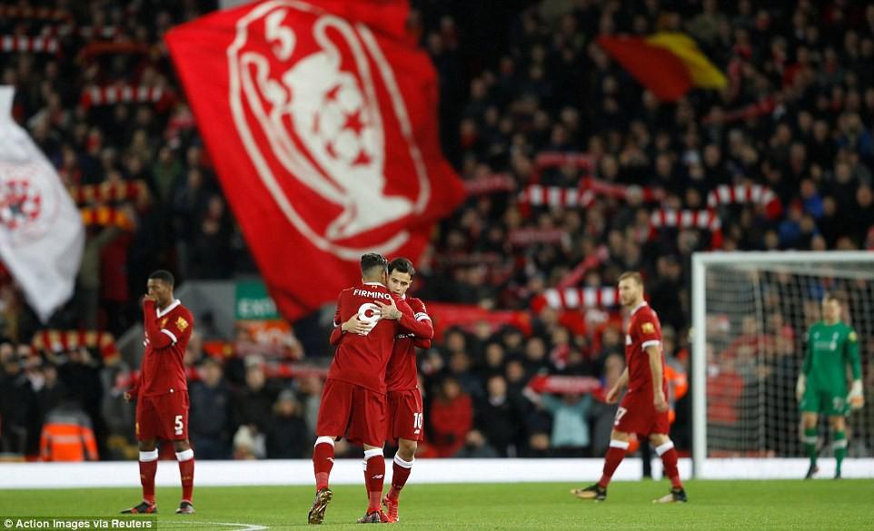 Hình ảnh: Cuộc đua tranh vị trí thứ 4 giữa Liverpool, Spurs và Arsenal rất quyết liệt