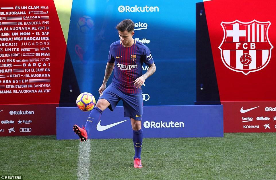 Hình ảnh: Coutinho vừa chính thức ra mắt tại sân Camp Nou