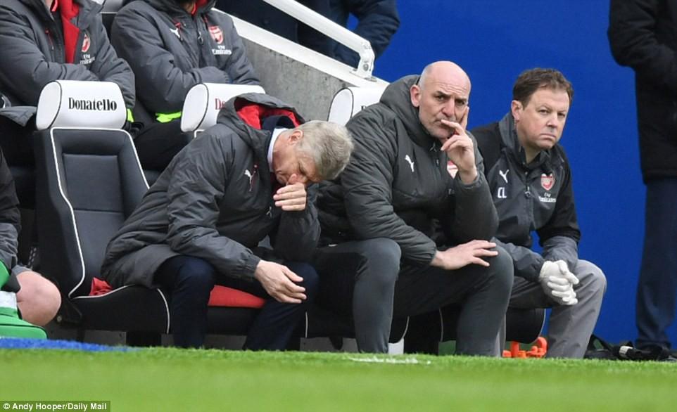 Hình ảnh: Wenger đang chịu áp lực sa thải lớn hơn bao giờ hết