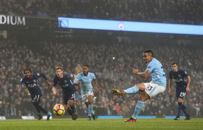 Hình ảnh: Jesus vừa đá hỏng ăn quả 11m trước Tottenham