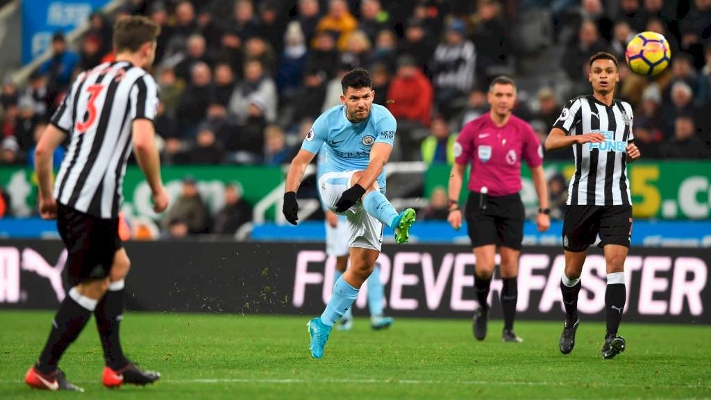 Hình ảnh: Aguero có duyên đặc biệt với mành lưới Newcastle từ quá khứ đến hiện tại