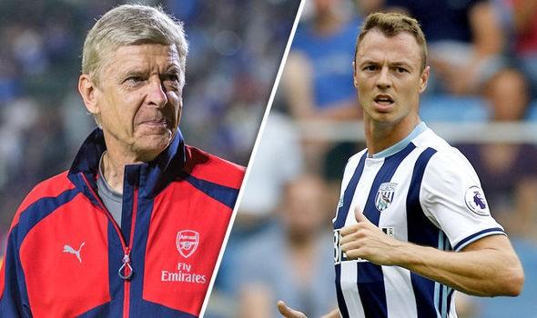 Hình ảnh: Wenger rất muốn có Evans để gia cố hàng thủ lâu dài