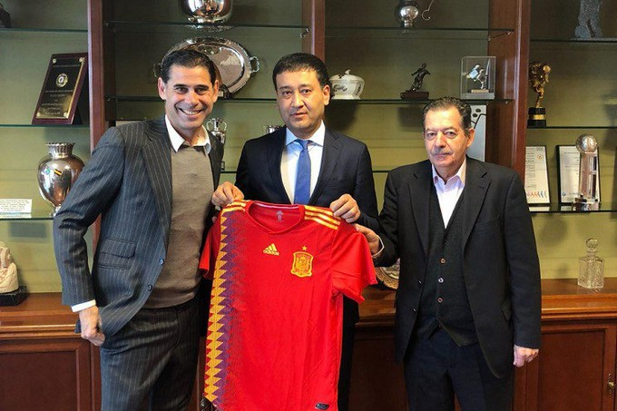 Hình ảnh: LĐBĐ Uzbekistan muốn bóng đá nước này phát triển theo mô hình của Tây Ban Nha
