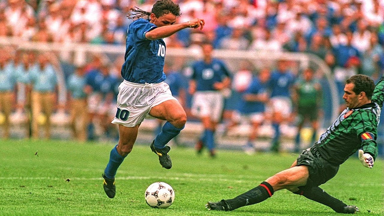 Hình ảnh: Baggio hội tụ hoàn hảo những phẩm chất của một nghệ sỹ săn bàn trong quá khứ vàng son một thời của bóng đá Ý