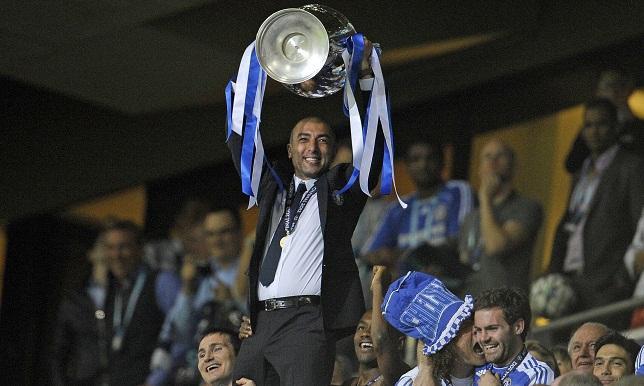 Hình ảnh: Mấy tháng làm việc ngắn ngủi nhưng Di Matteo đã mang về 2 danh hiệu trong đó có chiếc Cúp bạc danh giá Champions League
