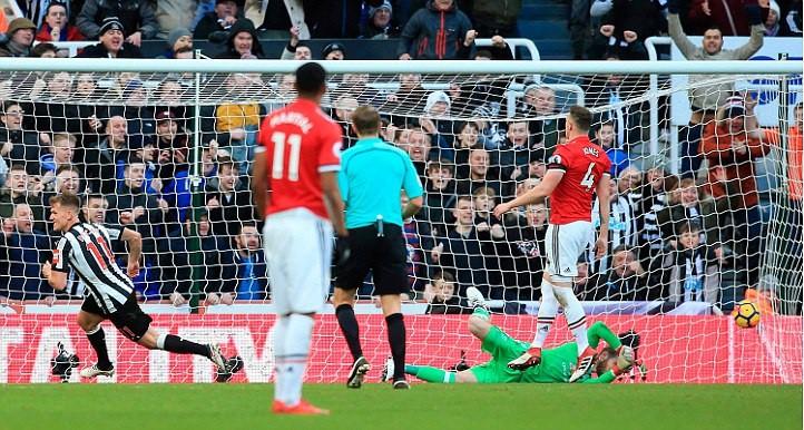 Hình ảnh: Thất bại ở Newcastle khiến MU bị các đối thủ bám đuổi thu hẹp khoảng cách