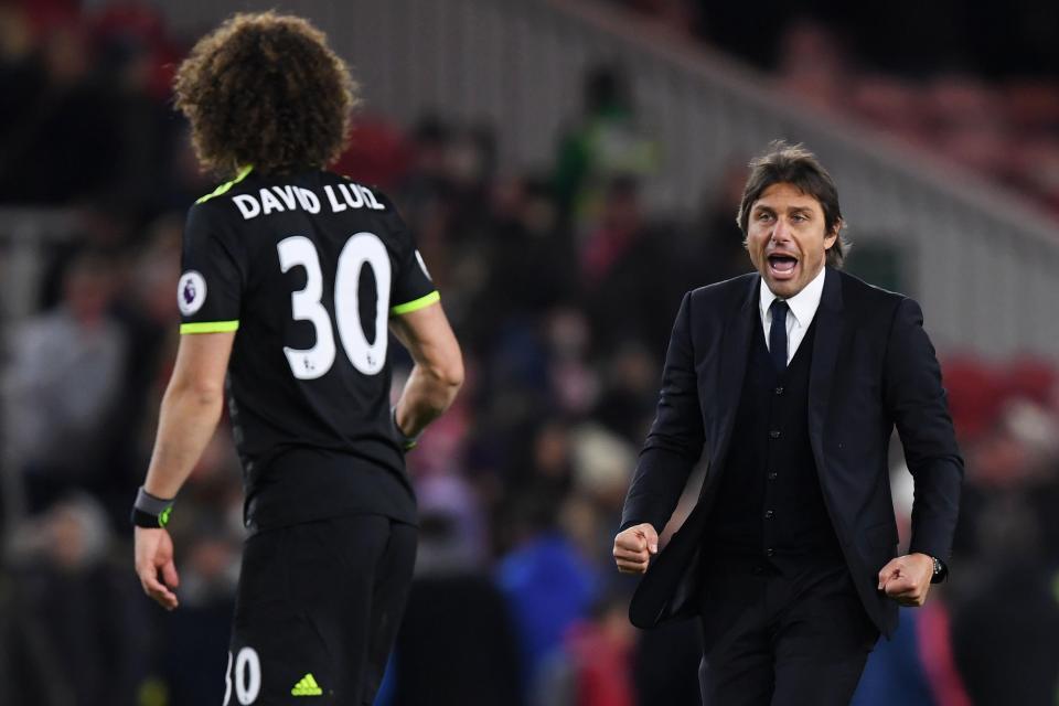 Hình ảnh: HLV Conte tin dùng hậu vệ trẻ Christensen hơn là David Luiz