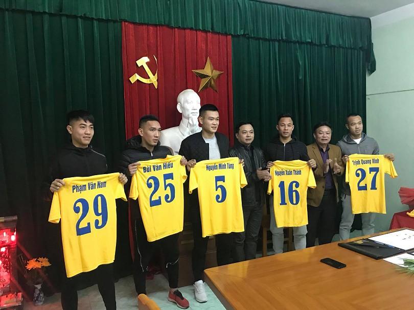 Hình ảnh: 5 bản hợp đồng của FLC Thanh Hóa trong mùa giải mới.