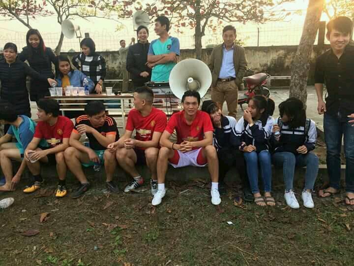 Hình ảnh: Tiền vệ Nguyễn Tuấn Anh đang tận hưởng những giây phút thoải mái ở quê nhà Thái Bình.