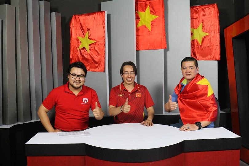 Hình ảnh: Cựu tuyển thủ Mạnh Dũng (bìa phải), BLV Anh Ngọc (giữa) trong buổi giao lưu của Webthethao.